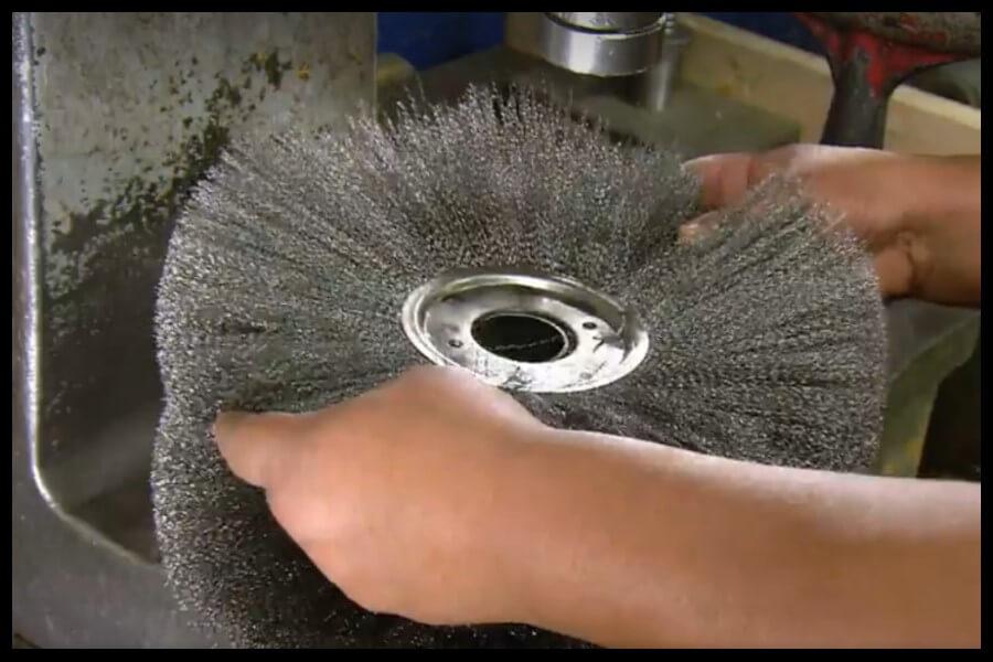 prensar cepillos de alambre